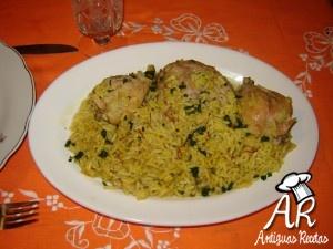 Pollo con arroz al azafrán