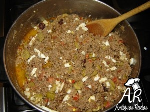 Empanadas de carne al horno relleno