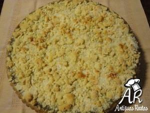 Torta de manzanas con nueces, canela y crumble